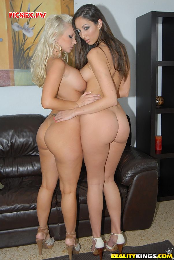 gorgeous ass two beautiful lesbians