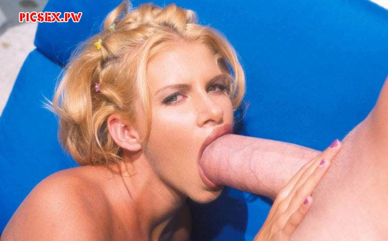 Russian huge cock in her mouth