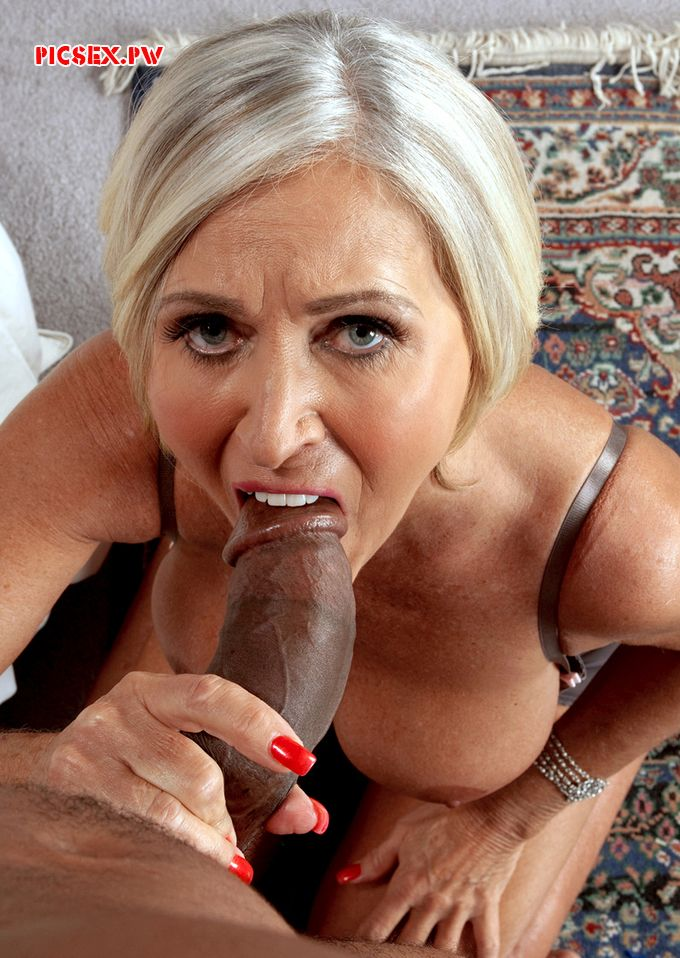 fat black dick climbs into the crone's mouth the Blowjob