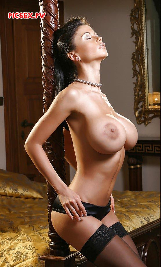 skinny milf with big Tits
