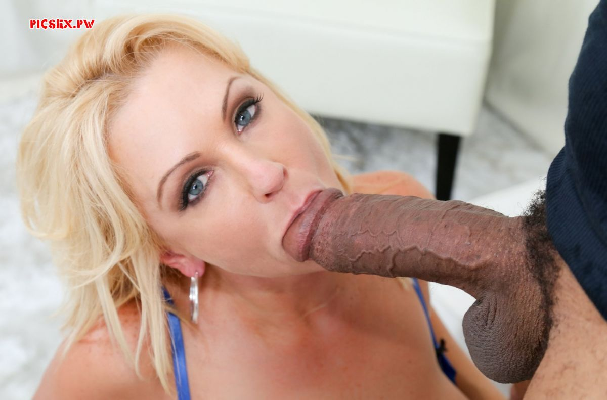 milf sucks big dick