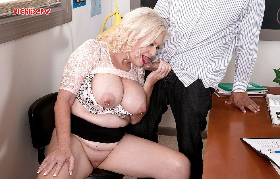 old teacher gets a Blowjob student