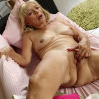 woman pensioner handjob